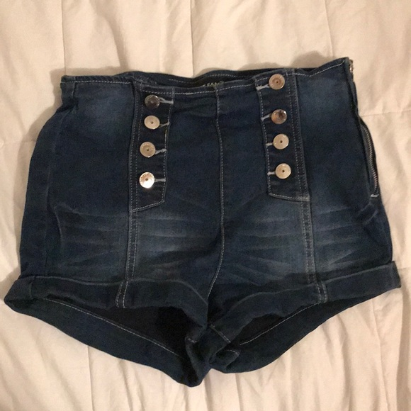 Almost Famous Pants - dark blue denim shorts